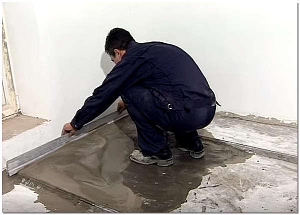 Как делать стяжку пола в квартире