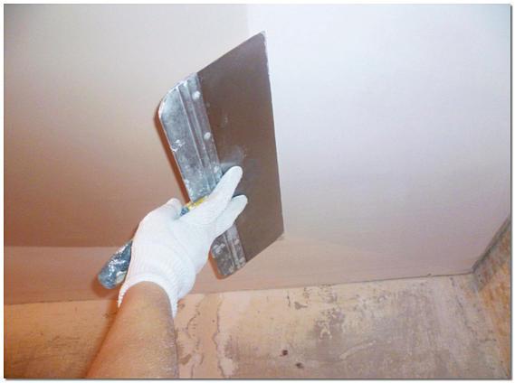 Выравнивание потолка финишной шпаклевкой фото