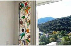 Декоративное цветное стекло в интерьере