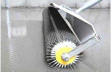 Какой игольчатый валик для наливного пола лучше использовать?