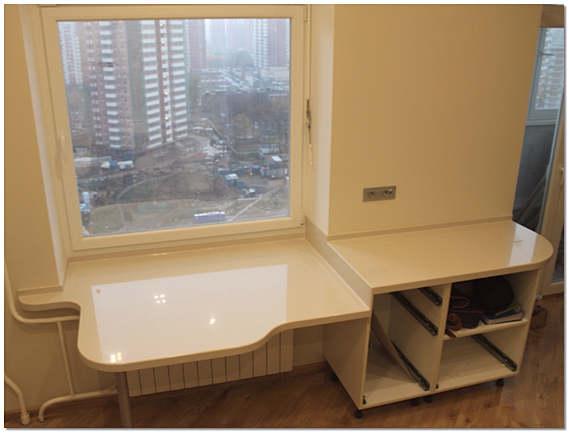 Подоконник-стол из искусстенного камня фото
