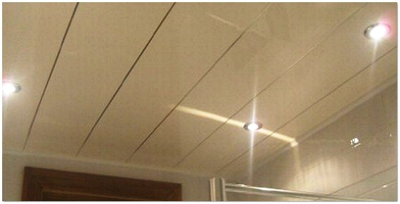 Как обшить потолок пластиковыми панелями своими руками