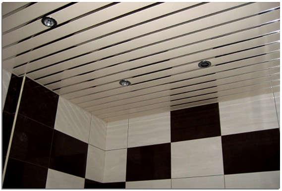 Реечный потолок в в ванной