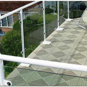 Плитка напольная для балкона: недорогой и практичный вид отделки
