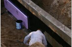 Жидкая обмазочная гидроизоляция — надежная защита фундамента загородного дома