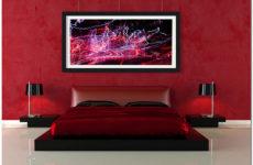 Интерьерные картины на стенах в современной квартире