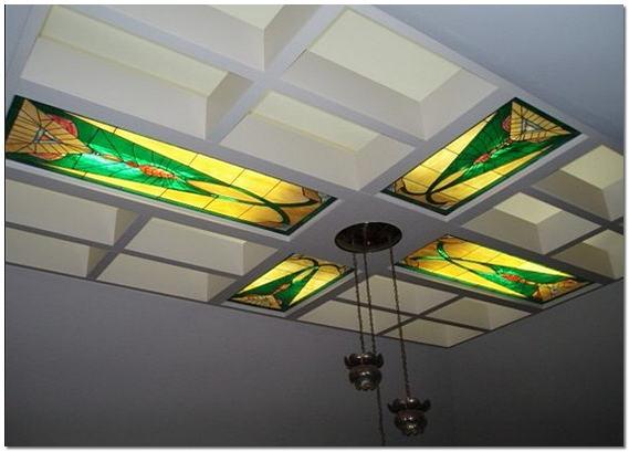Витражные потолки с подсветкой в квартире