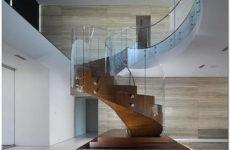 Что необходимо учесть при выборе лестницы на второй этаж в частном доме
