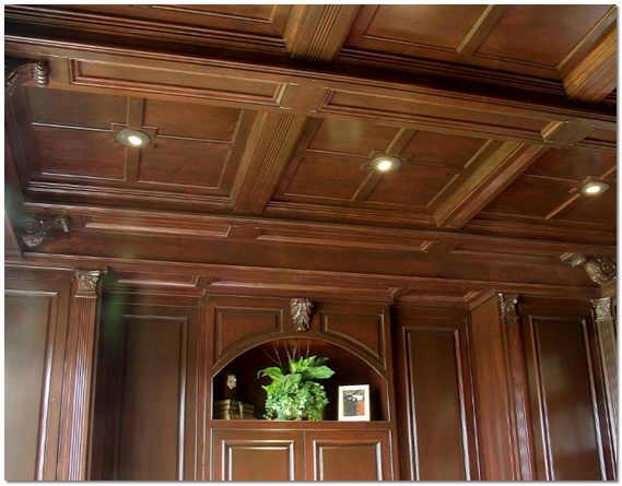 Кесонный потолок из массива дерева