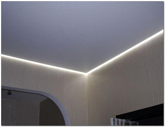 Натяжной потолок со светодиодной лентой по периметру