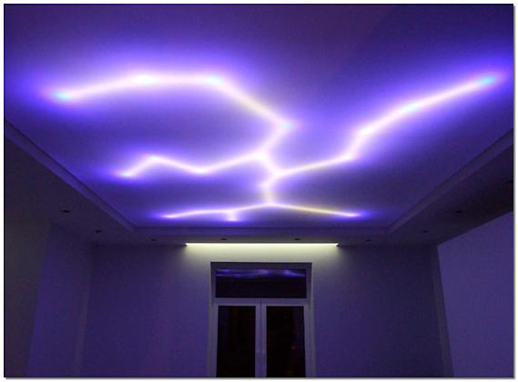 Оригинальная неоновая подсветка потолка