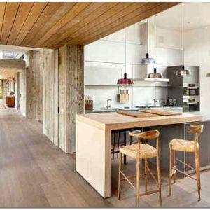 Деревянные кухонные столешницы из массива и клееной древесины: плюсы и минусы