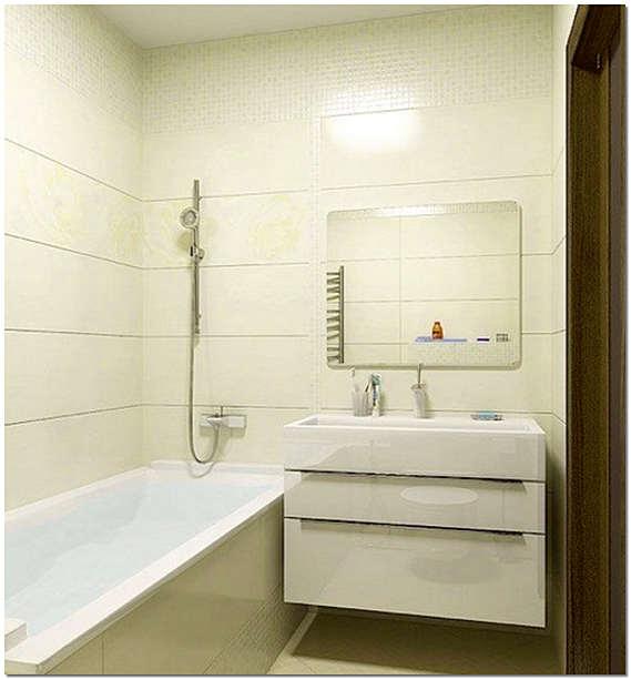 Ванна в маленькой ванной комнате
