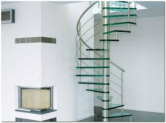 Стеклянная винтовая лестница фото