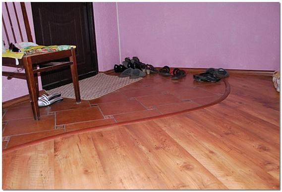 Комбинированный пол в прихожей плитка и ламинат фото