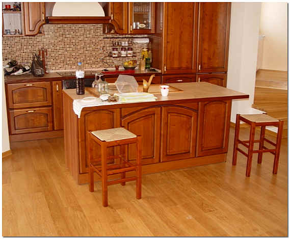 Укладка ламината на кухне фото