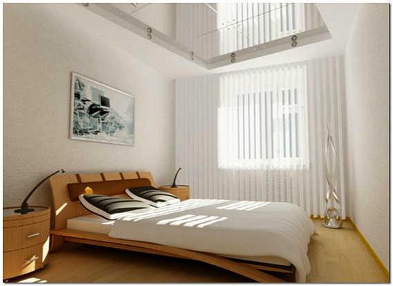 Маленькая спальня с зеркальным потолком фото