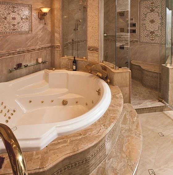 Природный камень в интерьере ванной комнаты фото