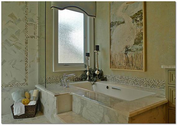 Мраморная плитка в интерьере ванной комнаты