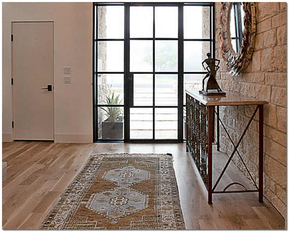 Декор прихожей в квартире и частных домах