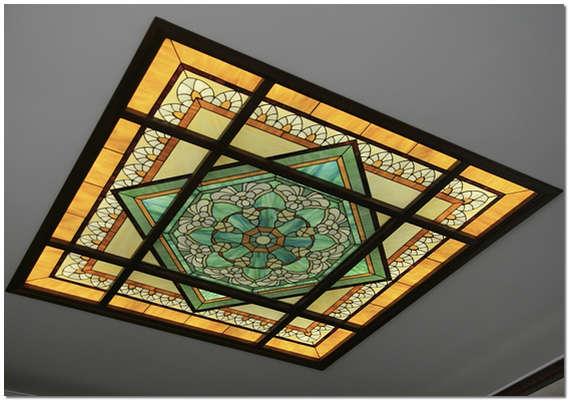 Витражные потолки в дизайне интерьеров помещений