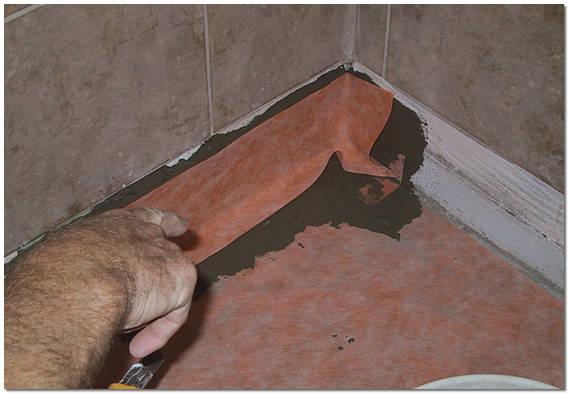 Устройство рулонной гидроизоляции пола в ванной своими руками