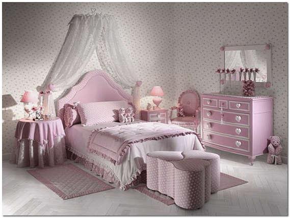 Интерьер комнаты девочки в розово-белых тонах