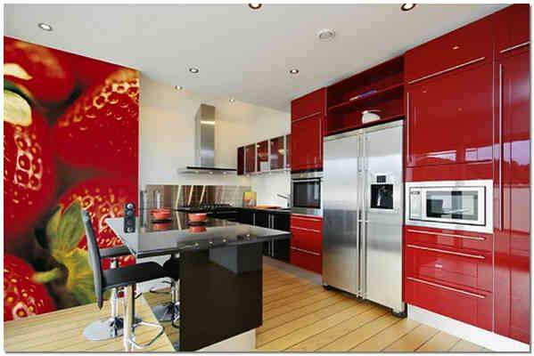 Эффектно смотрятся на кухне яркие фотообои