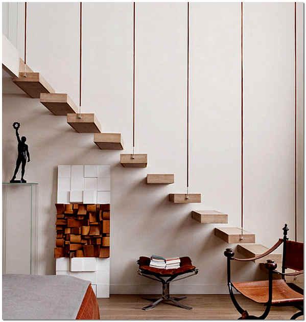 Консольная лестница на второй этаж в частном доме
