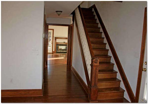 Маршевая лестница для дома на второй этаж