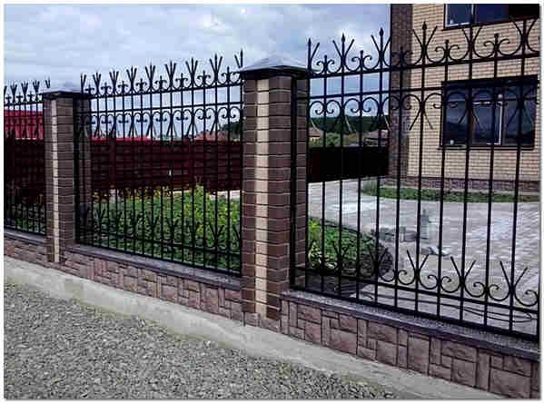 Ковано сварной забор для дома