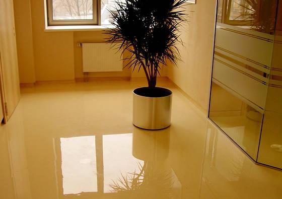 Глянцевый наливной пол в квартире фото