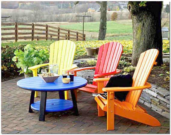 Обновляем садовую деревянную мебель